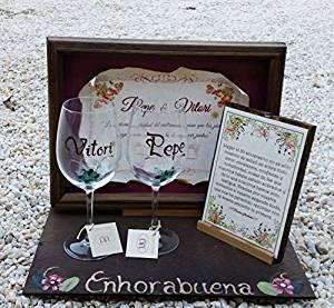 vitrina personalizada con dos copas más dedicatoria bodas de plata